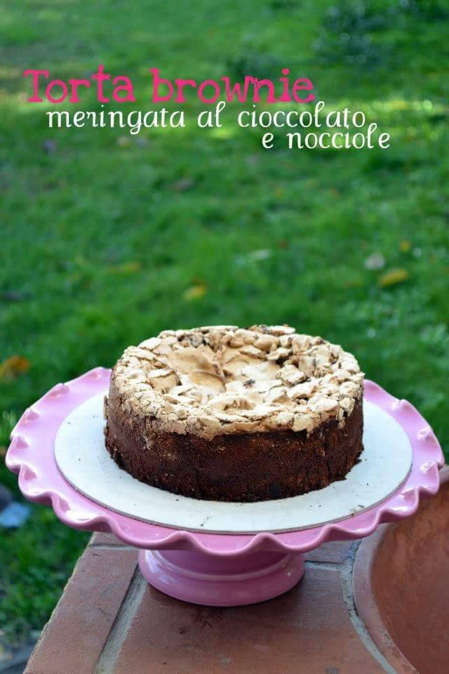 Torta Brownie Con Meringa Al Cioccolato E Nocciole Tostate Cookiss