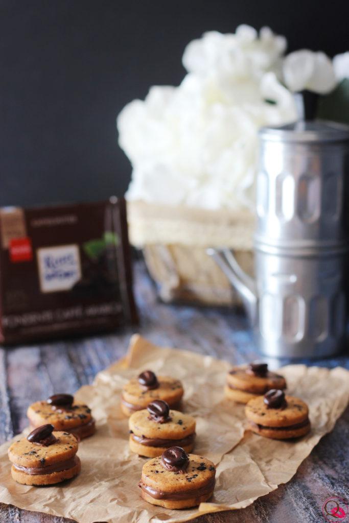 Biscotti simil baci di dama al caffè e cioccolato Ritter Sport