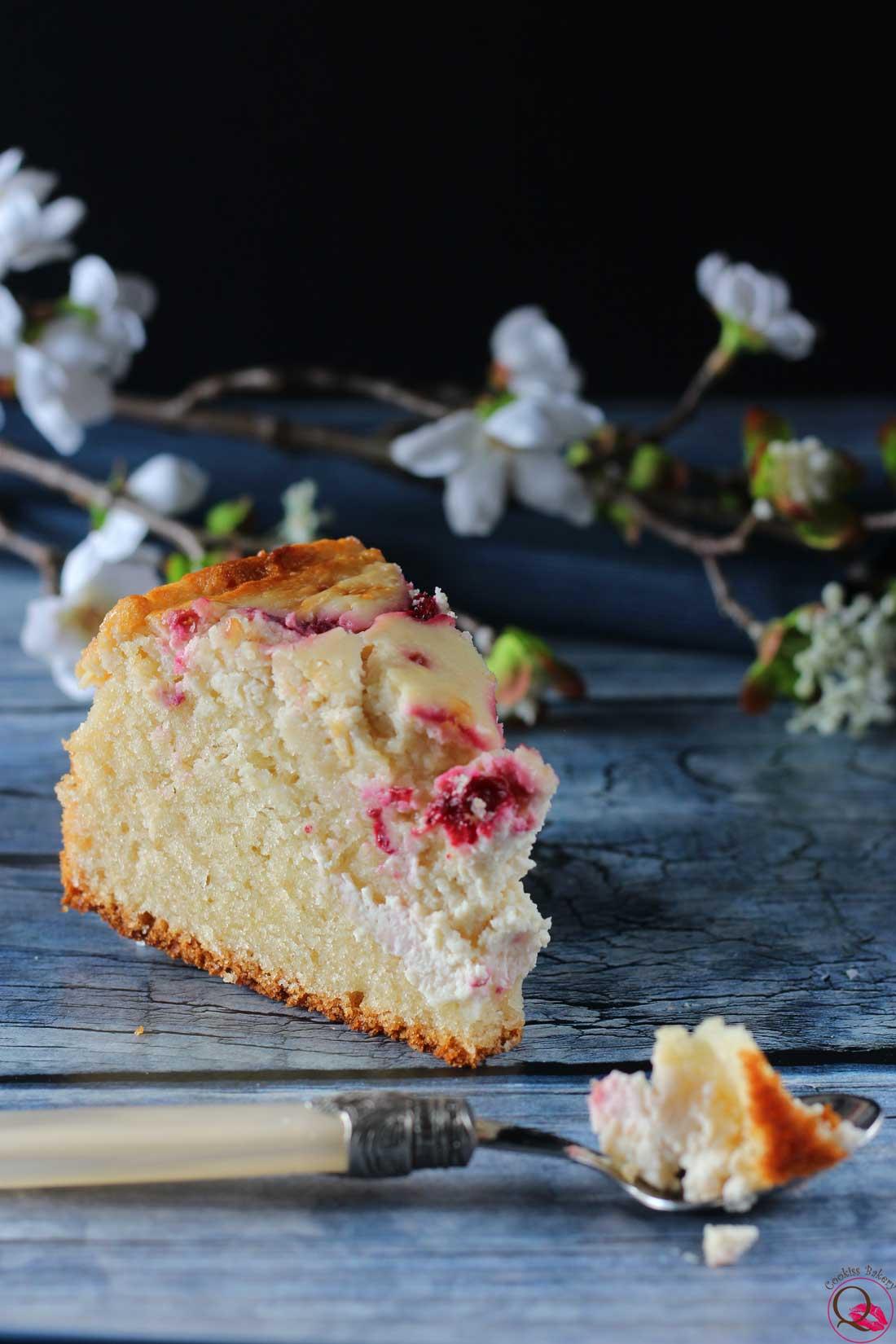 torta 2 in 1 cheesecake e torta allo yogurt fetta mangiata