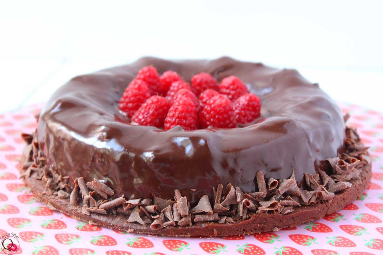 torta mousse cioccolato fondente lamponi intera