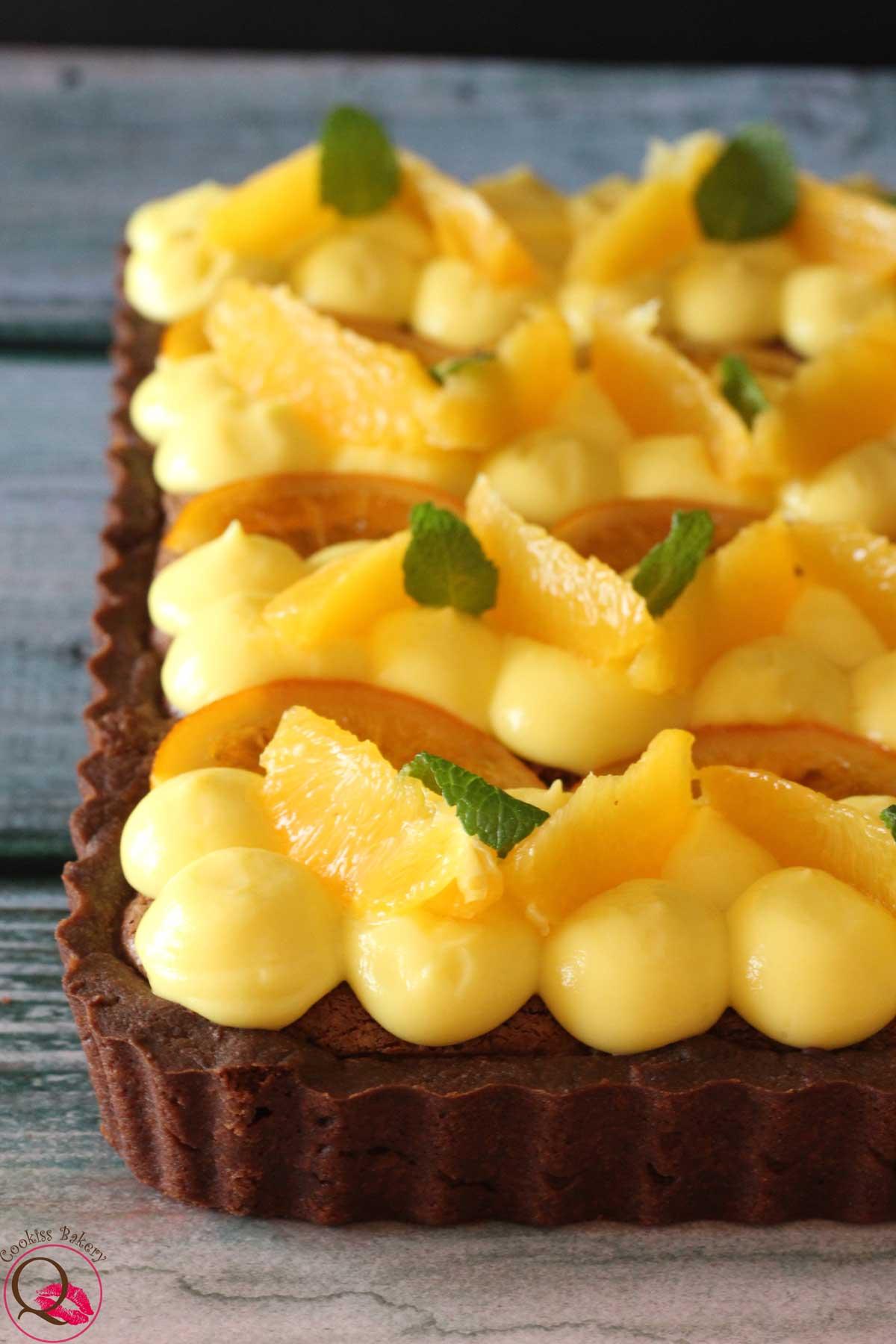 Crostata frangipane al cioccolato con arance caramellate particolare