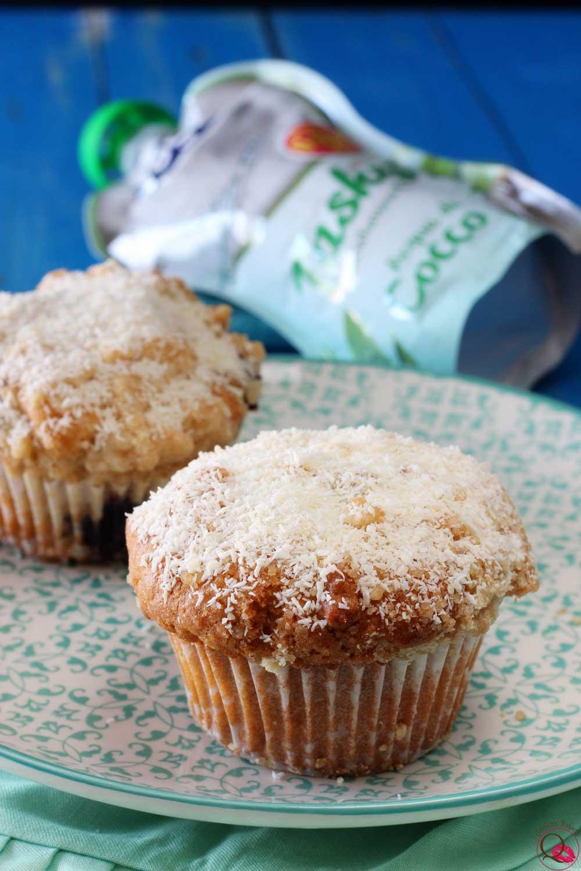 Muffins-al-cocco-e-cioccolato-senza-zucchero-succo