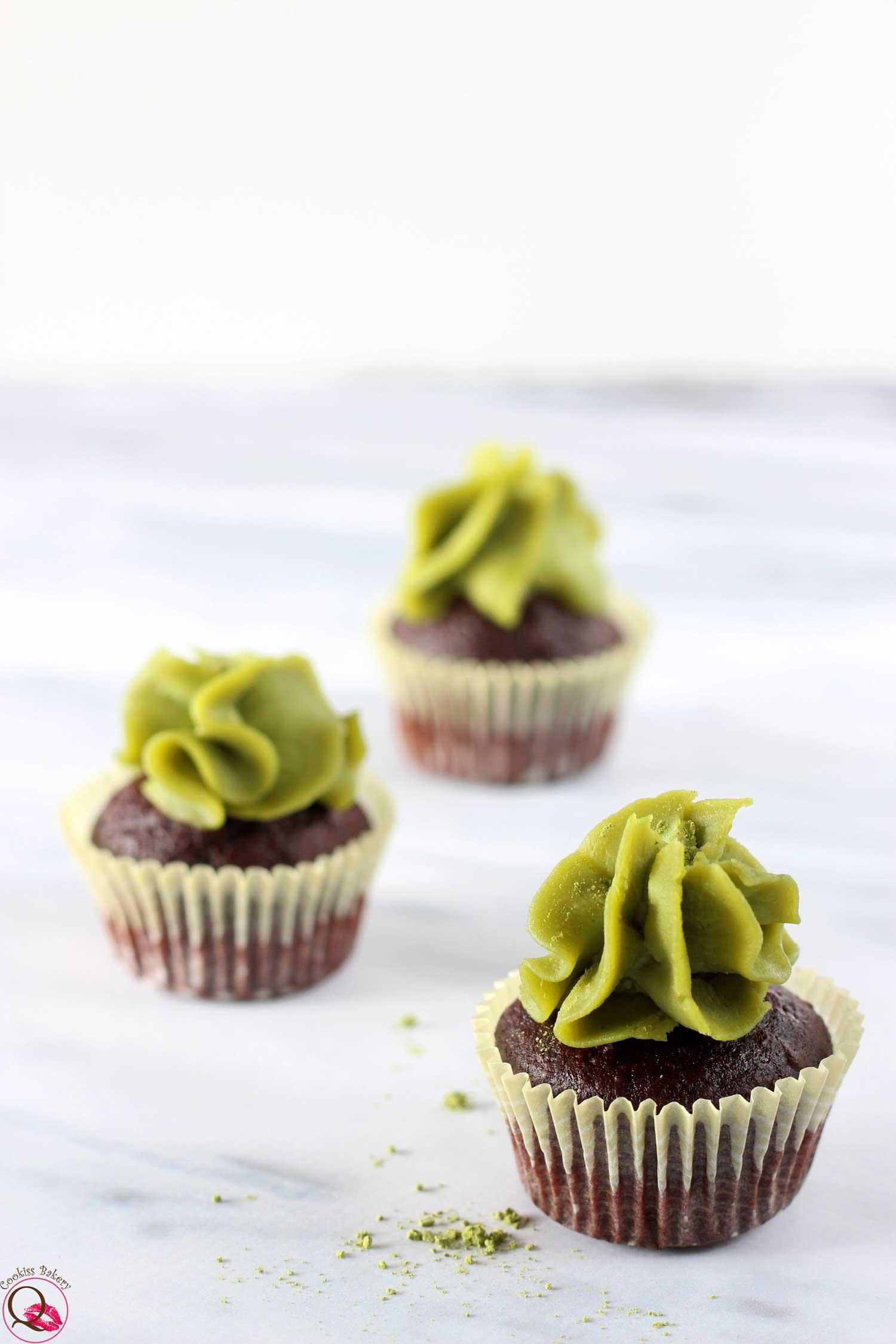 mini cupcakes al cioccolato fondente e Nutella di pistacchio