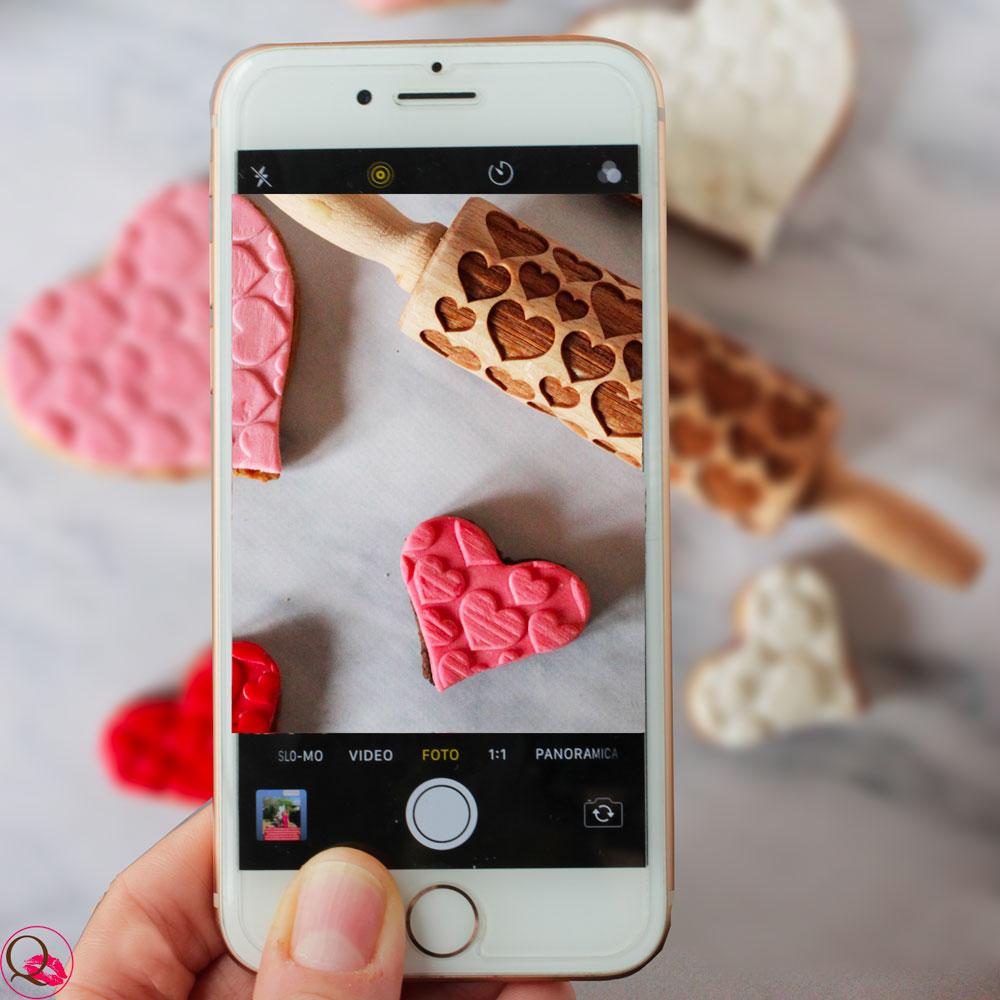 Biscotti-di-San-Valentino-decorati-a-forma-di-cuore-cell