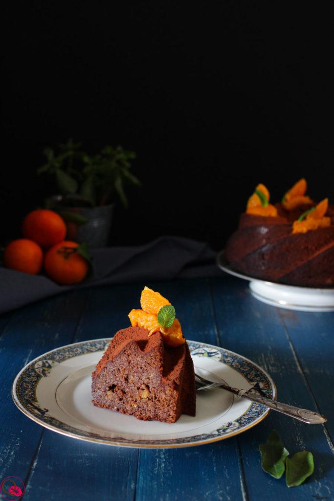 Torta-ai-mandarini-e-cacao-fetta-vicino