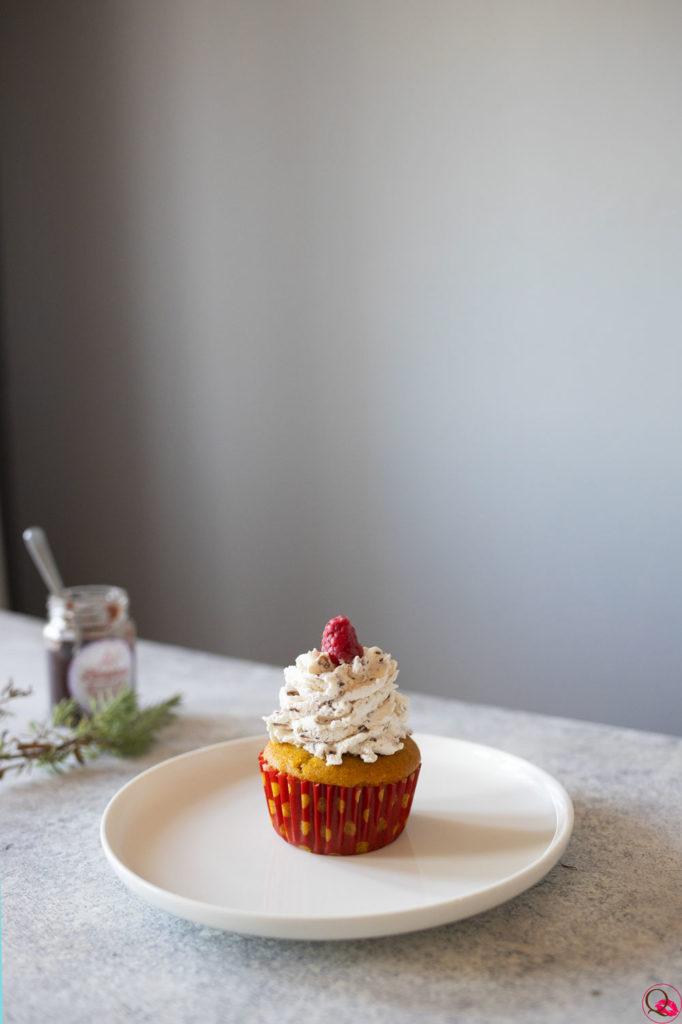 ricetta-cupcakes-alla-panna-e-lamponi-manina