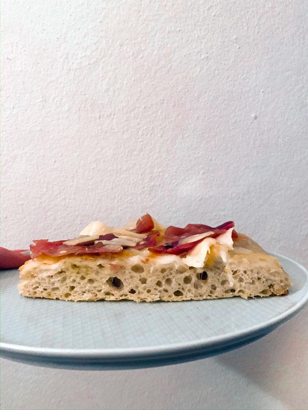 ricetta-PIZZA-IN-TEGLIA-soffice-fetta