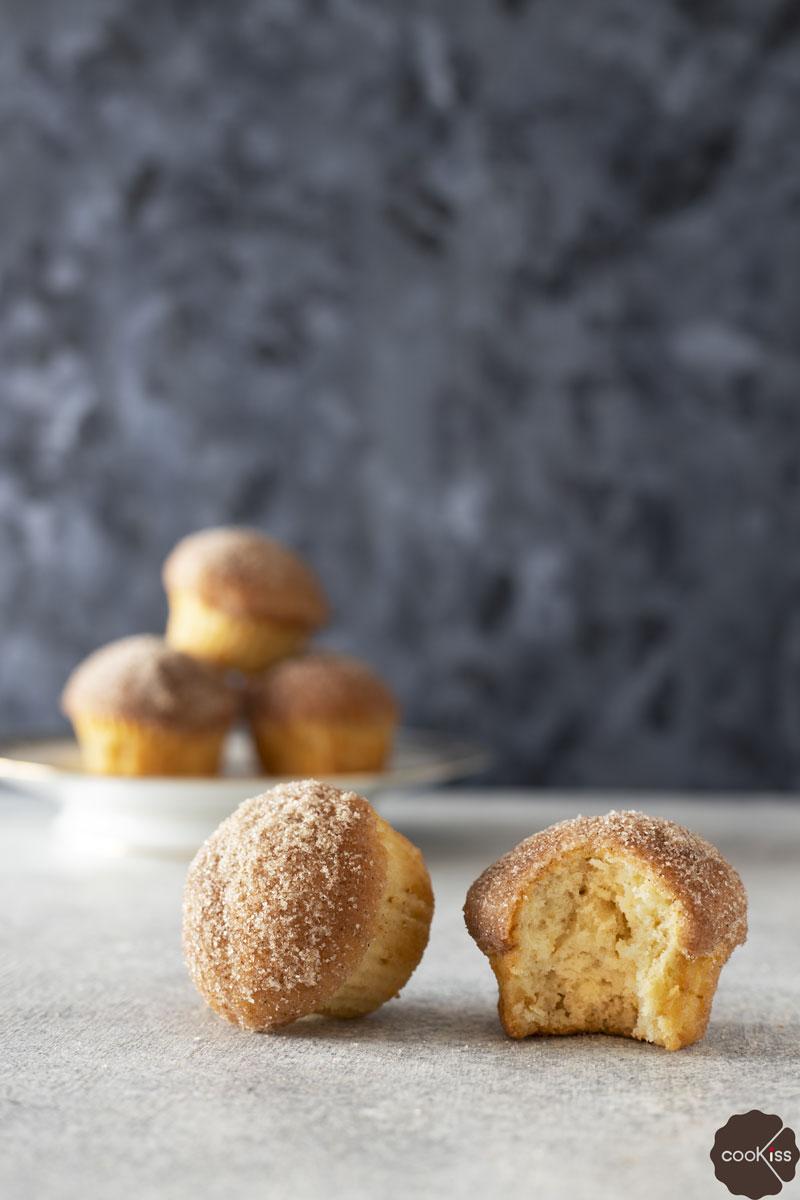 muffins-burro-zucchero-e-cannella-morso