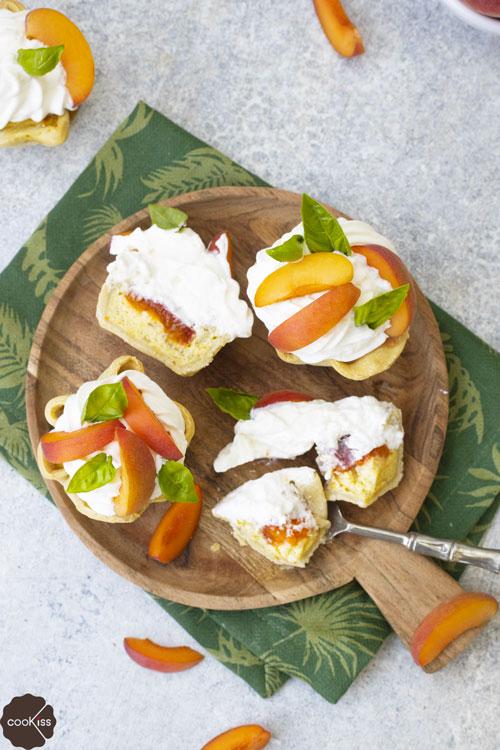 cestini-di-pasta-matta-con-crema-pasticcera-e-frutta