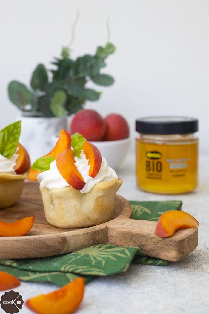 ricetta-cestini-di-pasta-matta-con-crema-pasticcera-al-miele-e-frutta